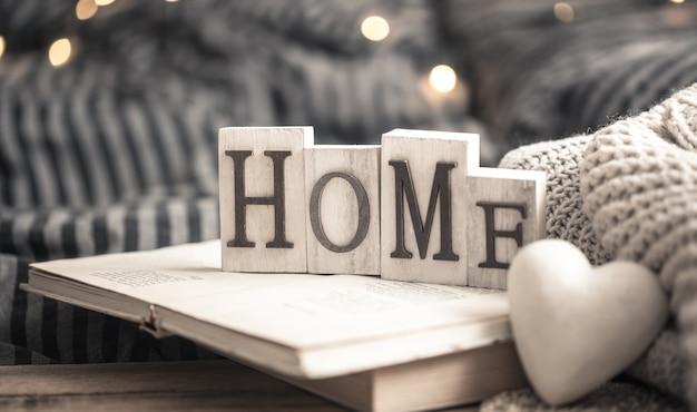 Cartas em casa em livros