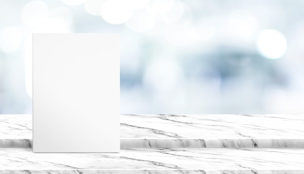 Cartaz branco na mesa de mármore branco passo com borrão paciente esperando médico no hospital