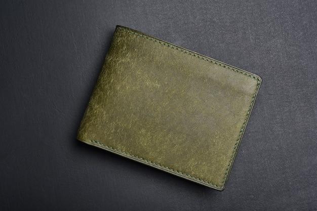 Carteira de couro artesanal moda masculina e acessório.