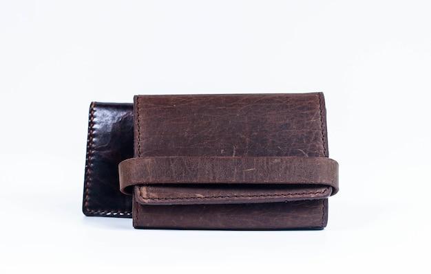 Carteira masculina de couro marrom feito à mão