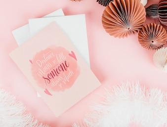 Cartões cor-de-rosa e românticos dos Valentim