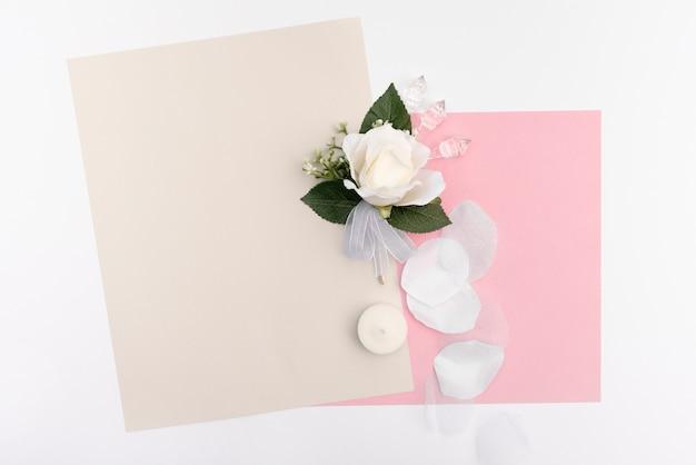 Cartões de casamento com rosa branca