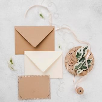 Cartões de convite de casamento com fita