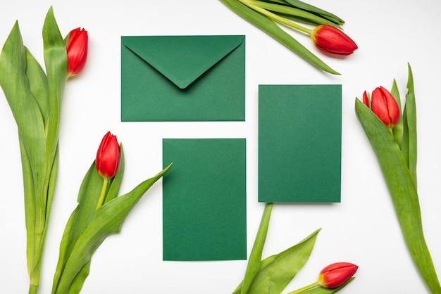 Cartões de convite de casamento elegante com flores