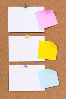 Cartões de índice e notas adesivas