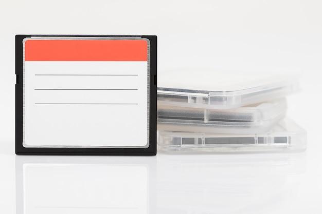 Cartões de memória flash compactos