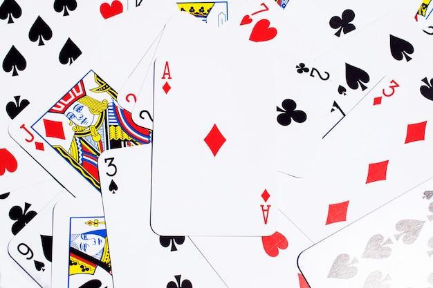 Cartões de poker excluídos na mesa