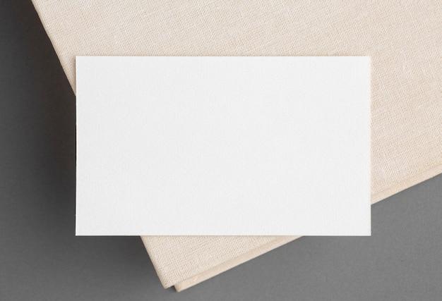 Cartões de visita corporativos em branco