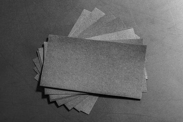 Cartões de visita pretos. brincar.