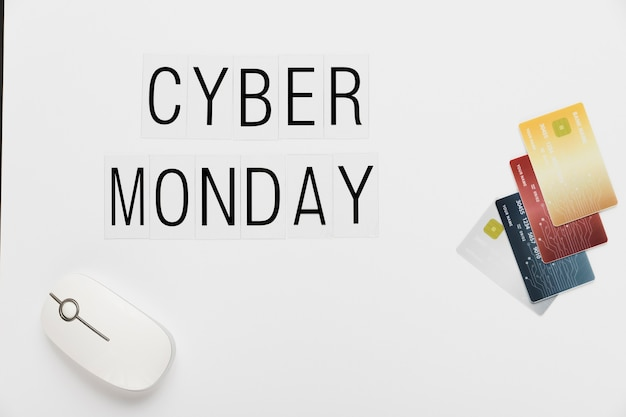 Cartões e rato da mensagem de cyber segunda-feira