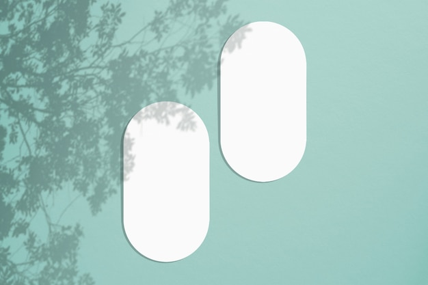 Cartões em um estilo minimalista. forma oval em branco com bordas arredondadas.