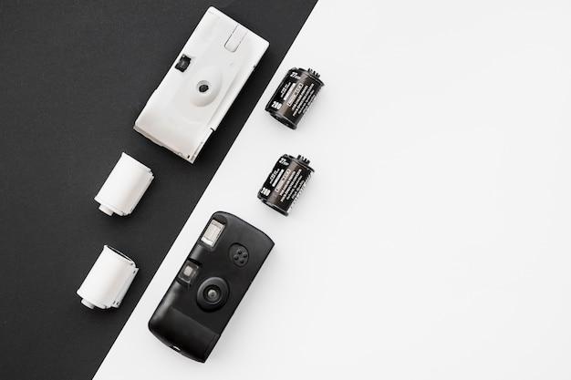 Cartuchos de filme perto de câmeras