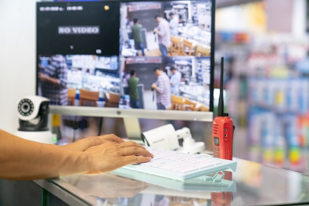 Casa câmera cctv monitoramento monitor sistema de alarme casa inteligente telefone video view concept