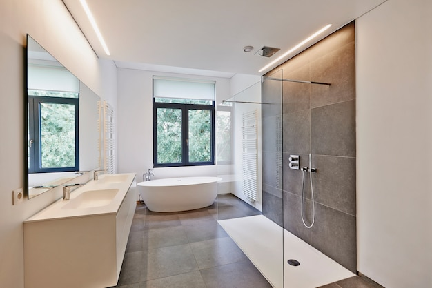 Casa de banho moderna de luxo