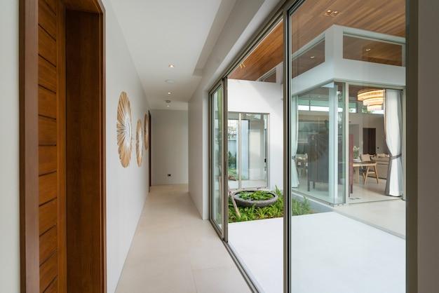Casa de corredor design de interiores e exterior