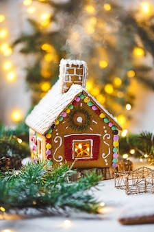 Casa de gengibre de natal. doces caseiros para o feriado