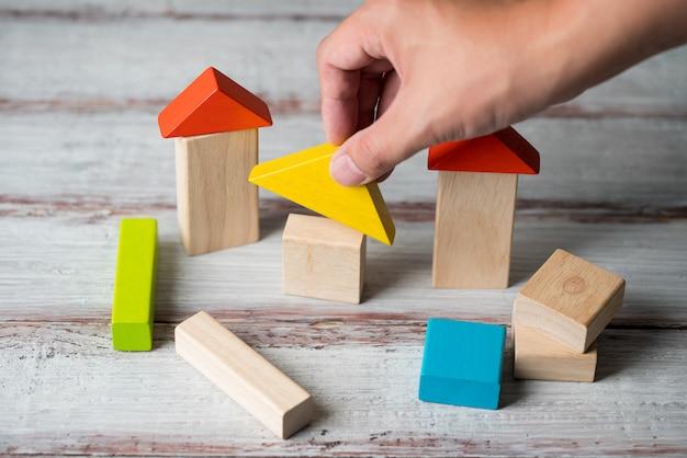 Casa de madeira e conceito de conjunto habitacional
