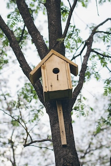 Casa de pássaro feita à mão