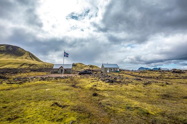 Casa rural tradicional na caminhada de 54 km de landmannalaugar, islândia