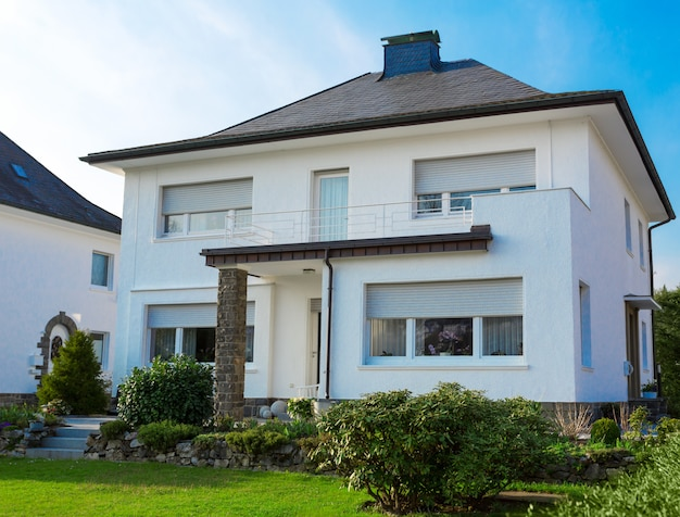 Casa suburbana europeia