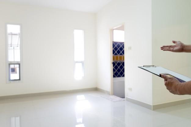 Casa vazia e quarto em branco