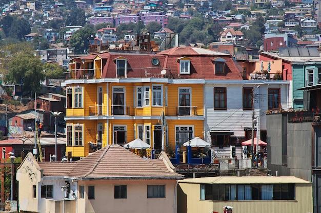 Casa vintage e a paisagem urbana em valparaíso, chile