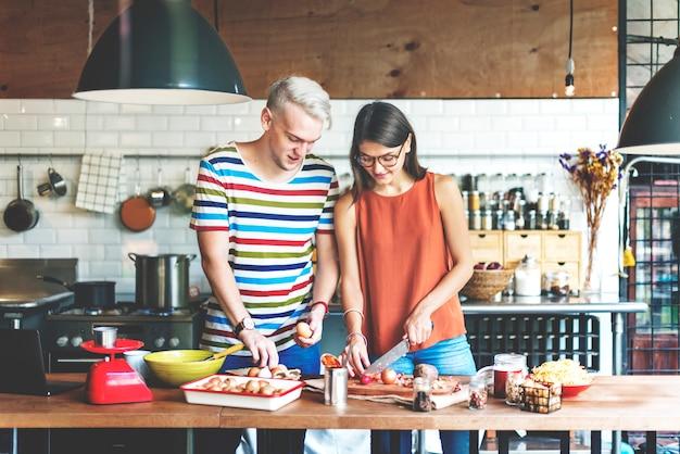 Casal cozinhando conceito de estilo de vida de passatempo