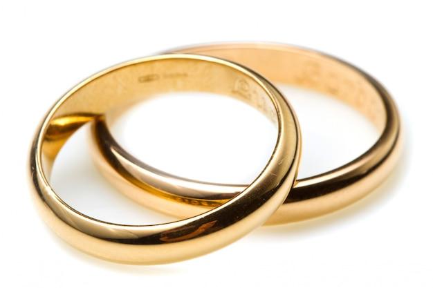 Casal de alianças de casamento