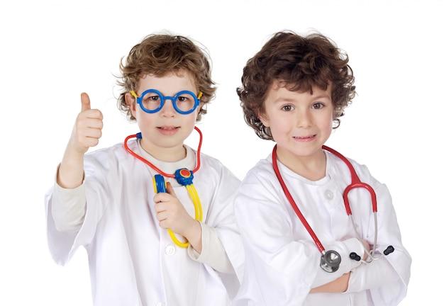 Casal de futuros médicos
