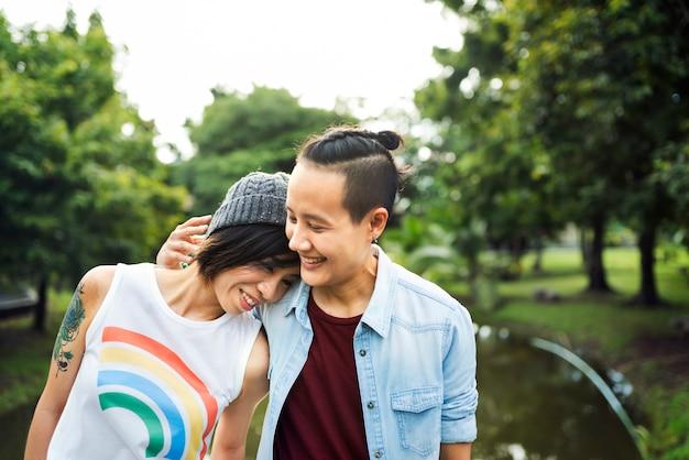 Casal de lésbicas asiáticas lgbt