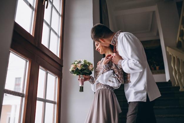 Casal de noivado casamento
