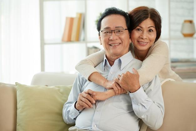 Casal envelhecido no amor