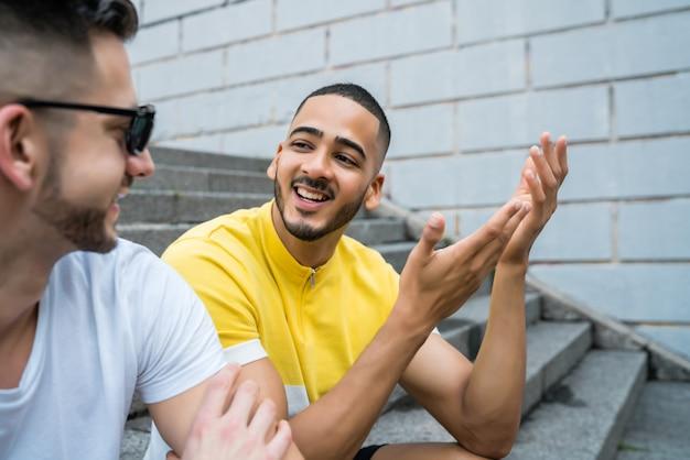 Casal gay a passar tempo juntos