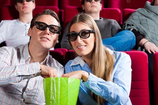 Casal no cinema