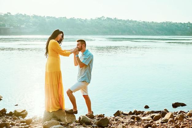 Casal se casando