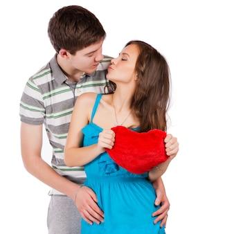 Casal sorridente feliz no amor.