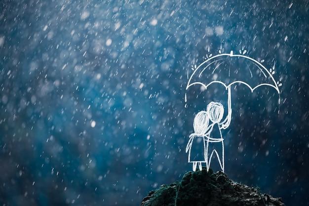 Casal virando as costas segurando um guarda-chuva em um monte na chuva, conceito de passar por uma crise juntos