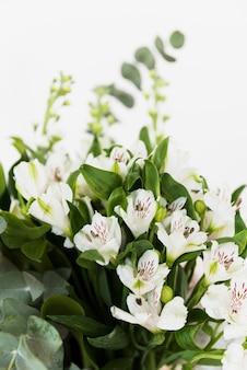 Casamento ainda vida com flores