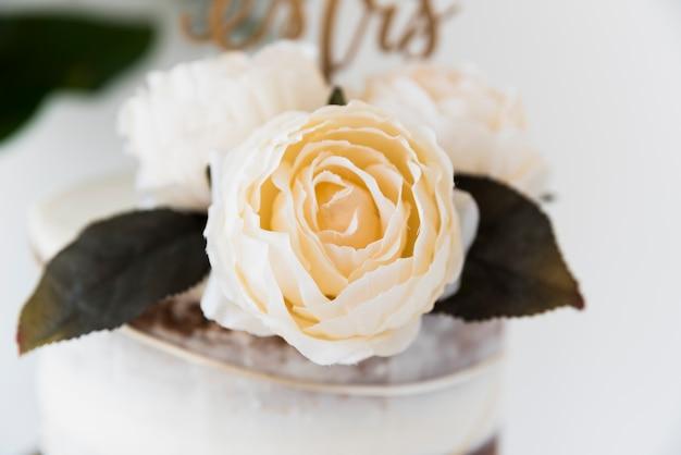 Casamento ainda vida com rosas