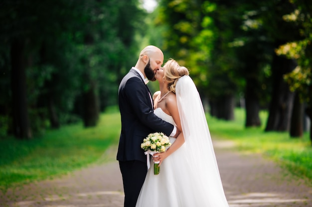 Casamento muito bonito de casal incrível. dia do casamento