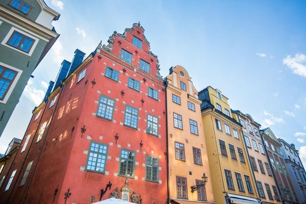 Casas coloridas na cidade velha de estocolmo