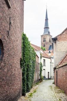 Casas de edifícios medievais em bruges, bélgica