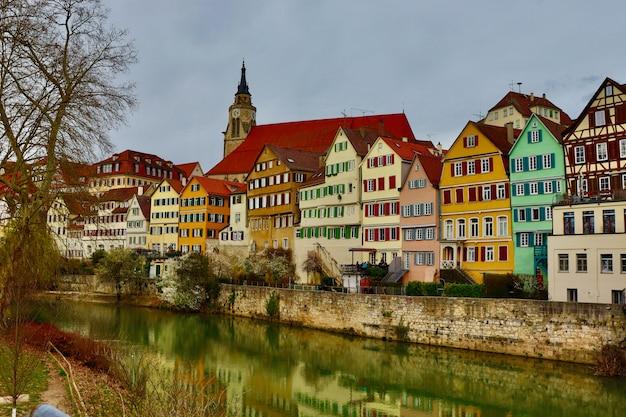 Casas em enxaimel coloridas na alemanha