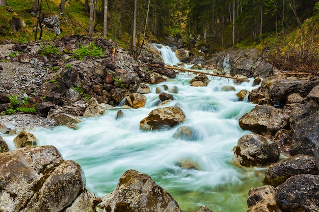 Cascata de cachoeira, garmisch-partenkirchen