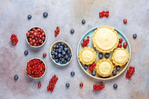 Caseiro delicioso verão rústico baga tartles