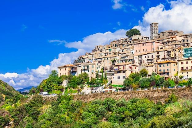 Casperia, bela pequena vila medieval no topo de uma colina, rieti, itália