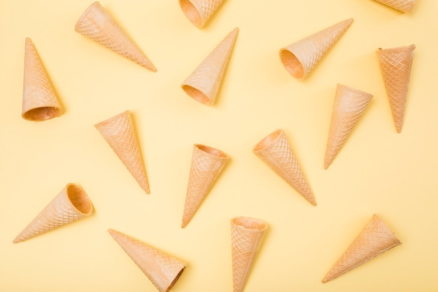 Casquinhas de sorvete de vista superior
