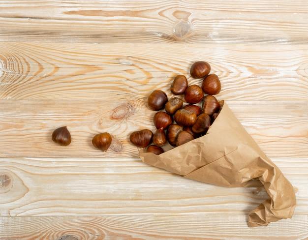 Castanhas doces comestíveis, outono saudável e comida de natal