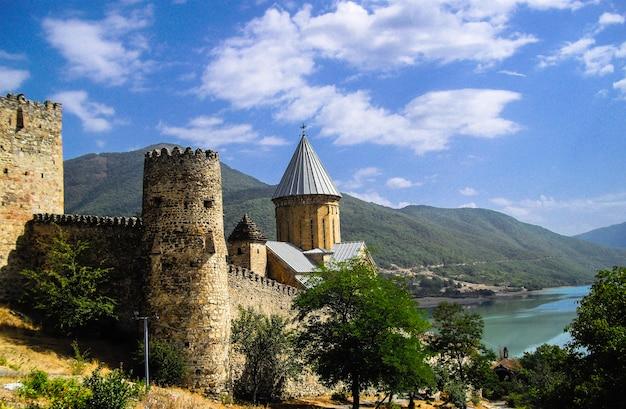 Castelo ananuri na geórgia