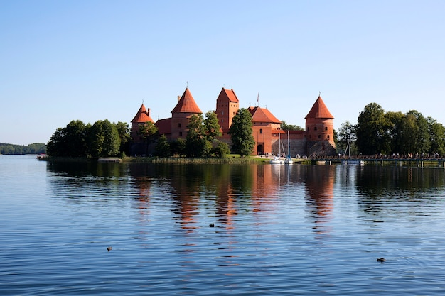 Castelo da ilha de trakai na lituânia